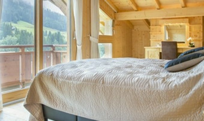 Chalet La Reserve Master Bedroom Header
